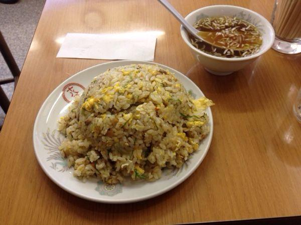 満腹! 「十八番(八丁堀)」のチャーハン スープ付き