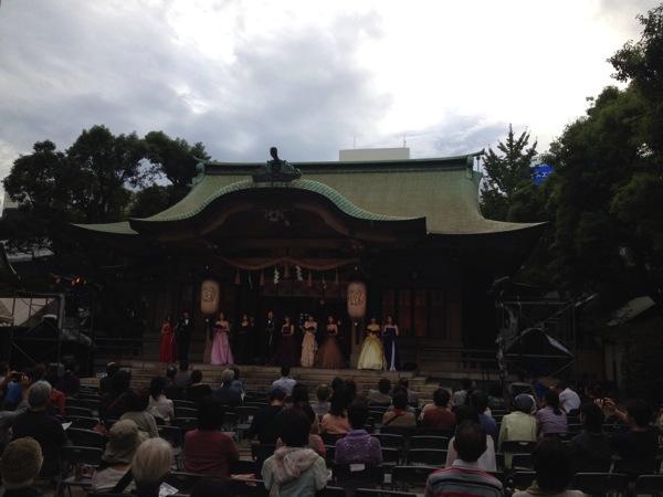 「坐摩神社(大阪・本町)」でオペラを聞きました