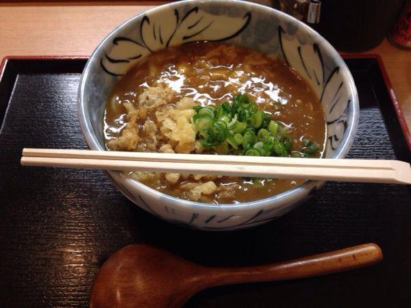 「得正(大阪・平野町)」でひとりチーズカレーうどん