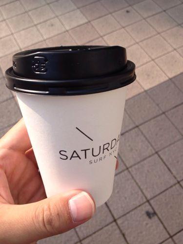神戸のSATURDAYSでカフェラテを飲んでみた
