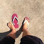 靴を脱ごう。ビーチサンダルで過ごそう